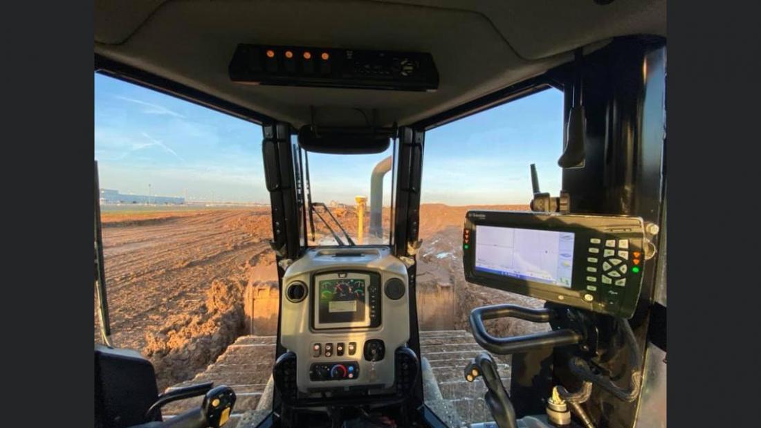 D6NLGP GPS et une 315 avec Engcon-1